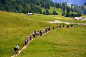 Via breve - cammino in montagna